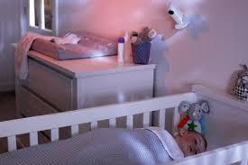 weshalb es wichtig ist das klima im zimmer ihres babys zu