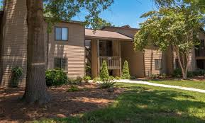 One Bedroom Apartments In Wilmington Nc by Stonesthrow Apartment Homes Apartments In Greensboro Nc