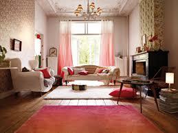 farbverläufe in rottönen wohnzimmer kronleuchter