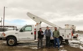 100 Bucket Truck Repair PMT Donates To The City Of Paul PMT