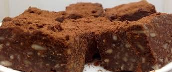 vegane freezer brownies mit datteln und nüssen