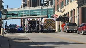 100 Two Men And A Truck Kansas City Police Only 1 Man Armed In Downtown Officerinvolved Shooting That