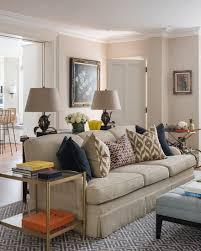 sofa in beige im klassischen wohnzimmer bild kaufen