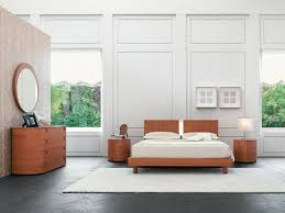 Simple Bedroom Decoration With Wood Furniture