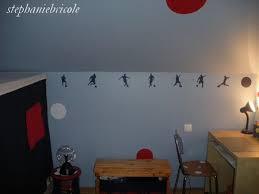 une chambre a soi faire des stickers soi même décoration de chambre d enfant