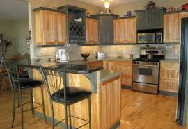 Kitchen Paint Colors With Light Cherry Cabinets by Dark Cherry Cabinets With Quartz Countertops Light Cherry Wood