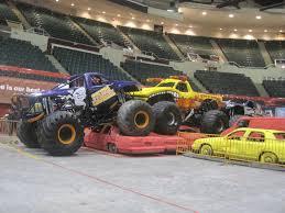 Review: Advance Auto Parts Monster Jam | Long Island Mamas