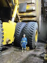 100 Largest Dump Truck Next To The Tires Of The 2nd Largest Dump Truck In The World