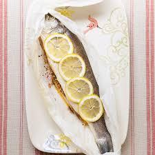 comment cuisiner le poisson poisson en papillote comment faire un poisson en papillote