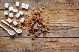 faire un roux cuisine blanc et sucre roux pour faire cuire des bonbons sur la maquette