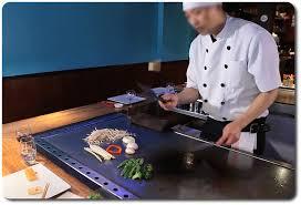restaurant japonais chef cuisine devant vous cuisson à la plancha restaurant japonais teppanyaki sushi à 17