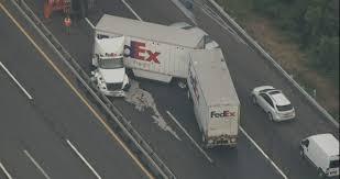 100 Fedex Truck Accident Double Trailer FedEx Jackknifes Snarls Connector Between New
