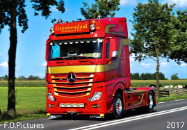 Pin By Roman On Trucs | Pinterest | Mercedes Benz Trucks, Mercedes ...