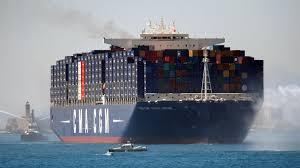 a bord du jules verne le plus grand porte conteneurs du