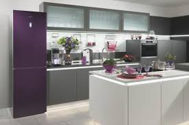 Glass In Modern Kitchen Interiors