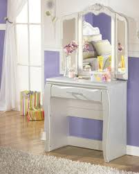 Makeup Vanity Table With Lights Ikea by Small Vanity Table With Mirror Elegant Mirror Vanity Set Ikea