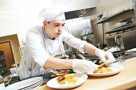 commi de cuisine devenir commis de cuisine salaire formation fiche métier