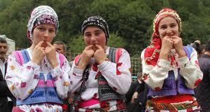 كوش كوي قرية تركية يتحدث أهلها باللغة الطيور تركيا ادويت