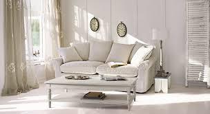 einrichtungsidee helles wohnzimmer im landhaus look loberon