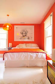 schlafzimmer in orange einrichten und dekorieren