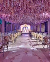 26 Stunningly Beautiful Decor Ideas For Indoor And Outdoor Weddings 16