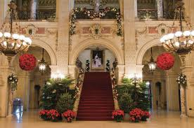 The Newport Mansions Master Art Of Opulent Holiday Decorating
