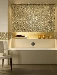 mosaik gold opulentes bad bodenfliesen bad bodenbelag