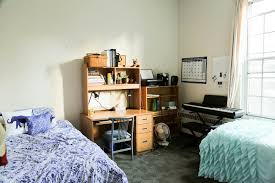 MINIMALIST DORM MAKEOVER The Sorry Girls