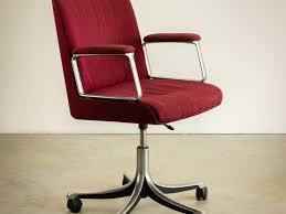 bureau fushia chaise chaise gamer chaise gamer conforama chaise bureau