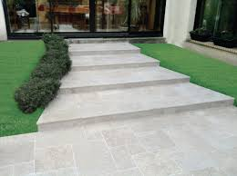 carrelage exterieur point p dallage calcaire travertin moka light creastone 4 formats ép 3 cm