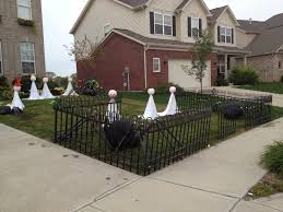 Halloween Graveyard Fence by The Truth About Diy Grave Yard Fencing Closer To Lola