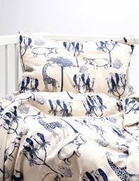 la chambre des ames linge de lit des jolies parures pour la chambre des enfants