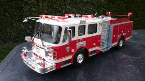 100 Model Fire Truck Kits Trumpeter American LaFrance Eagle In Service At The College Park
