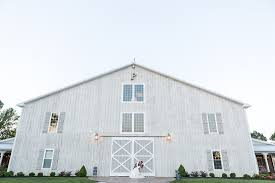 White Barn Wedding Venue, Walton, Kentucky. Photos By Kaleigh ... The Barn At Springhouse Gardens Wedding Venue In Nicholasville Ky Four Star Village Rustic Red Fox Kentucky Danville Venues Reviews For Reception Lexington Hyatt Regency Lexington Morgan Jake Prickel Keith Melissa Photography Detail Photos In Ma Offering Perfect Setting Gibbet Hill 15 Best Images On Pinterest Evans Orchard Event Ceremony Georgetown