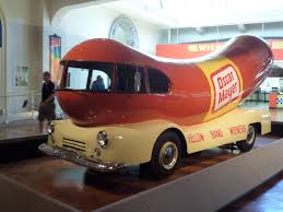Everybody Loves An Oscar Meyer Weiner - One Of The Weiner Mobiles ...