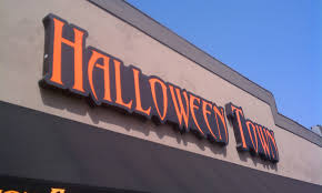Halloween Town Burbank by Things To Do In Los Angeles Halloween 2011 Halloween Town