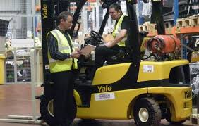 Forklift Trainer Qualifications | D2000 Safety Avoiding Forklift Accidents Pro Trainers Uk How Often Should You Replace Your Toyota Lift Equipment Lifting The Curtain On New Truck Possibilities Workplace Involving Scissor Lifts St Louis Workers Comp Bell Material Handling Equipment 1 Red Zone Danger Area Warning Light Warehouse Seat Belt Safety To Use Them Properly Fork Accident Stock Photos Missouri Compensation Claims 6 Major Causes Of Forklift Accidents Material Handling N More Avoid Injury With An Effective Health And Plan Cstruction Worker Killed In Law Wire News