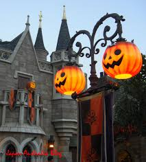 Halloween Flickering Light Bulbs by Pumpkin Lamp Posts Could Be Done With A Fancy Yard Light And