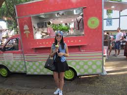 Bh | Universal Food Trucks For Tuesday 619 Friday 45 Wednesday 72011 517 418 Studios Hollywood Goes Lunar Endorexpress A Simpsons Kwikemart Squishee Truck Is Comi 1116 Photos Christmas Season Begins At Orlando Resort With Ding Review Bumblebee Mans Tacos Unofficial 1119