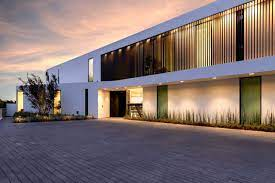 104 Beverly Hills Modern Homes New Build In With Outdoor Space And Impressive Views To List For 18 72 Million Mansion Global