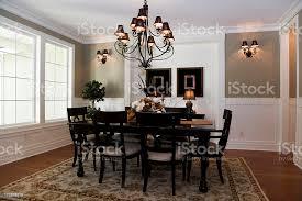verzierte luxus esszimmer innenraum architektur design holz tisch stockfoto und mehr bilder architektonisches detail