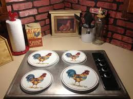 Astonishing Rooster Kitchen Decor Using Plates With White Background Over Induction Cooker