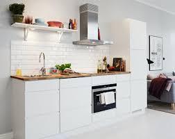 cuisine alu et bois la cuisine blanche et bois en 102 photos inspirantes archzine fr