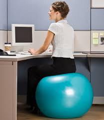 chaise ballon voici pourquoi vous devriez changer votre chaise contre un ballon de