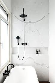 bad marmor schwarze armatur dusche renovieren bad