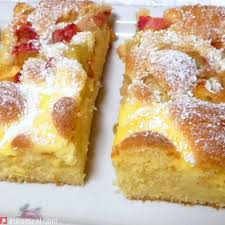 erdbeer rhabarber topfenkuchen