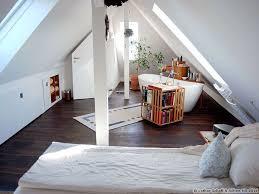 der fertig ausgebaute dachboden zu einem neuen schlafzimmer