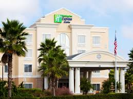 Holiday Inn Express & Suites Tampa I 75 Bruce B Downs Hotel by IHG