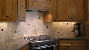 travertine tile backsplash tumbled travertine backsplash 2 chiaro