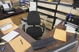comment repondre au telephone au bureau comment contacter par email téléphone ou courrier